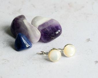 Pearl Earrings,  Mother of Pearl, Bridesmaids Earrings, June Birthstone , Leverback Earrings, Mother of Pearl Earrings, Wedding Jewelry