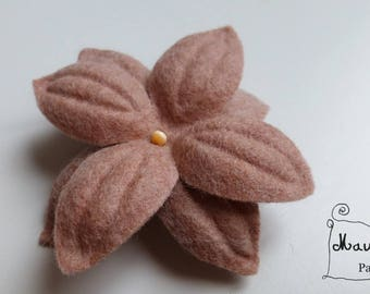 """Nimue"" powder pink flower hair clip"