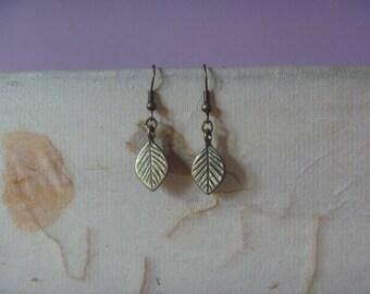 bronze leaf earrings, ecofriendly dangle leaf earrings