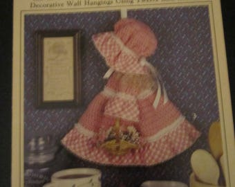 Country Broom Dolls Leisure Arts LEaflet 2290