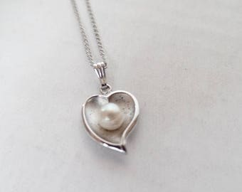 ON SALE Vintage Sterling Silver & Pearl Heart Pendant Necklace