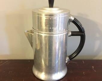 1920s Vintage 1930s Art Deco Retro Wear-Ever Aluminum Pour Over Drip Camp Style Coffee Pot Maker With Black Bakelite Handles Model 956
