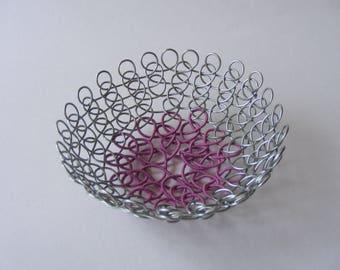 Small wire dish-Decorative homeware-Silver and Magenta jewellery dish