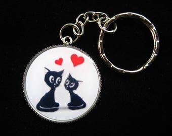 """Keychain """"Love cats"""" set in resin"""