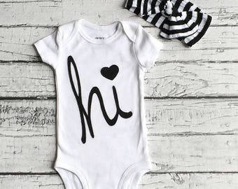 hi Bodysuit// New Baby // Welcome Baby// Bodysuit // Babyshower//Size 3 Months // READY TO SHIP