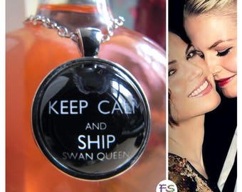 Necklace Keep Calm and Ship SWAN QUEEN