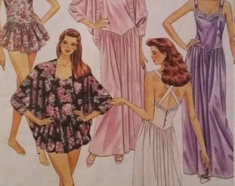 UNCUT and FF Pattern Pieces Vintage McCalls 5661 Sewing Pattern