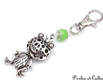 Grenoille Keyring - silver green bead