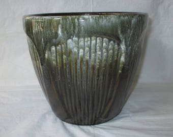 """Robinson Ransbottom Pottery RRPCo 7"""" x 8"""" Ribbed Jardiniere, Brown with White Drip (c. 1960s)"""