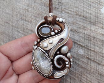SHIPPING INCLUDED Crazy Lace Agate  and Smoky Quartz Pendant
