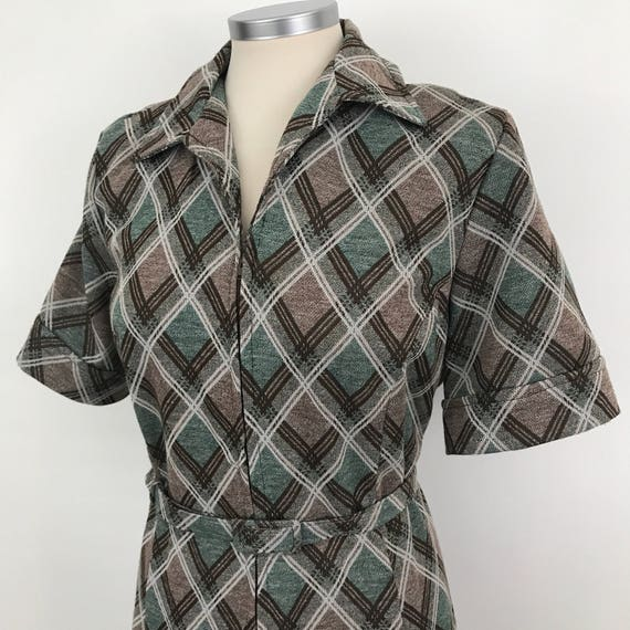 Mod dress check crimplene green plaid A line jersey polyester knit UK 18 20 plus size 1970s dagger collar brown scooter girl