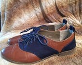 Vintage 1980s Restricted Navy Blue Cloth and Tan Leather Shoes Size 7.5 8 Ties Oxford Saddle Shoe Retro Flats