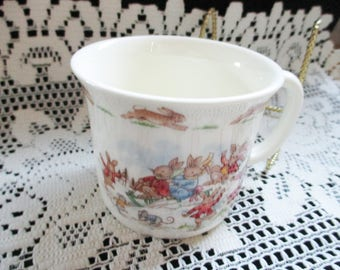 Vintage 1970's Royal Doulton Bunnykins cup - Playing in the snow - Estate find!