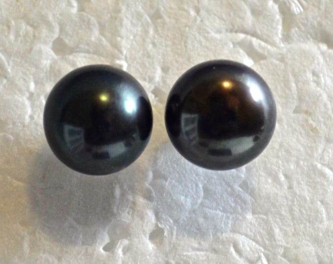 Tahitian Pearl Studs, 9-10mm Round, Natural, Set in Sterling Silver E1106
