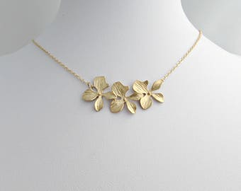 Orchid Necklace, Flower Necklace, Gold Orchid Necklace, Bridesmaid Gifts, Gifts for Her, UK Seller, Bridesmaid Jewellery, Three Orchids