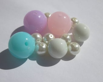 11 round glass beads and acrylic (PV15-2)