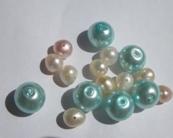 16 round glass beads and mother of Pearl freshwater pearls (PV37-16)