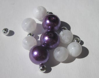 9 purple and white glass and acrylic round beads 8-10 mm (3 PV14)