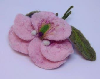 """Brooch made of wool """"Viola pink"""" Handmade"""