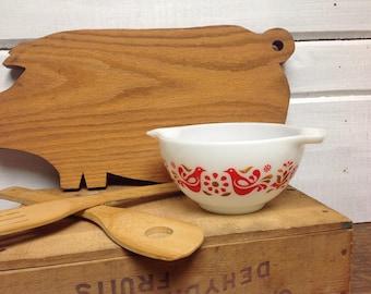 Vintage Pyrex Friendship 1.5 Pint Mixing Bowl