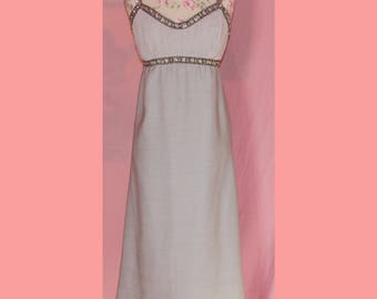 Gorgeous 60s Marilyn Monroe embellished wiggle dress