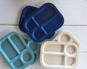 6 vintage divided melmac lunch trays, vintage melamine lunchroom trays blue beige cafeteria divided lunch trays for travel trailer / camping