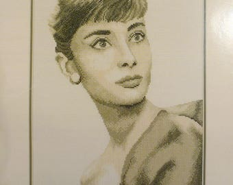 Audrey hepburn classic cross stitch collection lanarte 35014