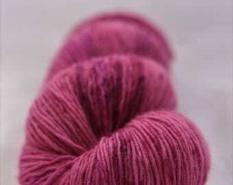 Hand-dyed yarn - sock yarn - superwash - merino - speckles - dyed-to-order - NIGELLE