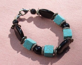 Retro Faux Turquoise & Black Beaded Stretch Bracelet Restring Repurpose