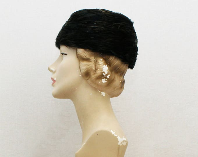 Vintage 50s Black and Gold Brimless Feather Hat - 22.5 Inches