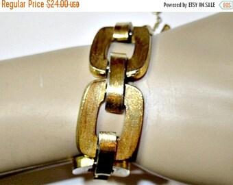 ON SALE Textured Wide Bold Monet Runway Fashion Thick Link Bracelet Vintage Signed