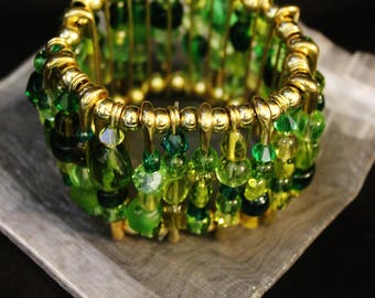 Green and Gold Glass Bead Stretch Bracelet