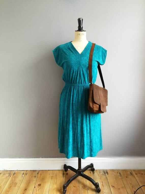 Forest green velour dress / 80s terry towelling dress / retro green dress / V neck sun dress / boho retro short dress / quirky green dress