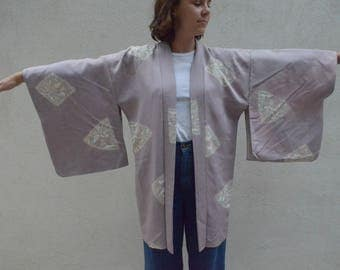 Vintage lilac silk kimono robe - wear on your wedding day or for the bridesmaids!