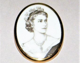 Royal Worcester  Coronation Brooch Queen Elizabeth 1953