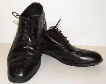 Vintage Black Leather Florsheim Wingtip Shoes / Brogues Oxfords Dress shoes / Men's size 11D