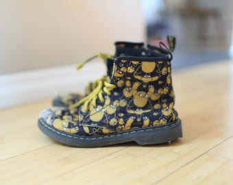 vintage jake the dog dr marten  boots lace up kids 3