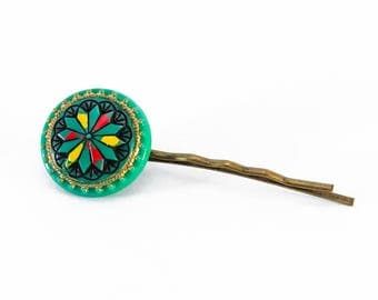 Barrette / hair pin made from a vintage glass button 40s brass green - Suzanne