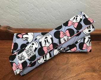Minnie Mouse Adult Seat Belt Cover Set