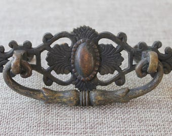 Vintage Metal Art Nouveau Style Drawer Pull, Vintage Metal Drawer Hardware, Vintage Restoration Hardware