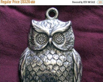 ON SALE wall key holder,Silver plated owl,1970's key holder,wall decor,wall hanging,metal owl,owl figurine,animal metal art