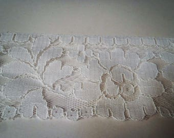 LACE FLOWER WHITE 7.5 CM WIDE
