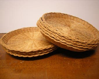 8 vtge paper plate holders-wicker holders-outdoor dining-camping-pic nic-kitchen and dining-houseware-