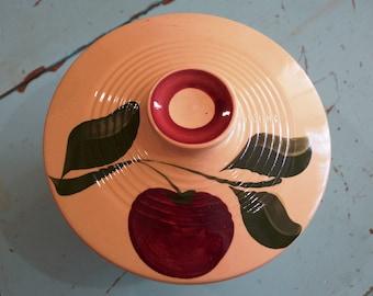 Ridged Lid Apple by Watt Pottery 1 Apple 3 Leaves