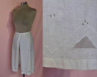 Charming Edwardian / 1910s French bloomers / open drawers  w/geometric embellishment waist to 30""
