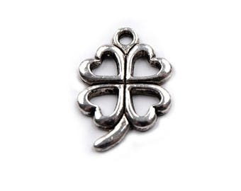 2 Charm clover pendant has 4 leaves 15 x 21 mm