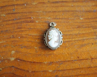 Cameo Pendant Necklace Shell Gold Filled