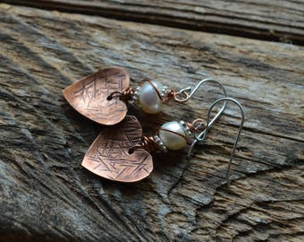 Copper Hearts Peals Rustic Copper Stamped Earrings ,Copper Earrings,Pearls,Artisan Earrings,Pearl Copper Earrings,Feminine