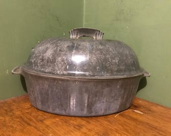 aluminum oval dutch oven.