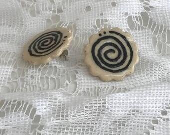 Funky scalloped stud earrings